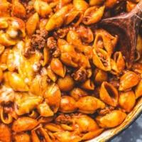 Easy one pot Beefy Enchilada Shells recipe   lecremedelacrumb.com