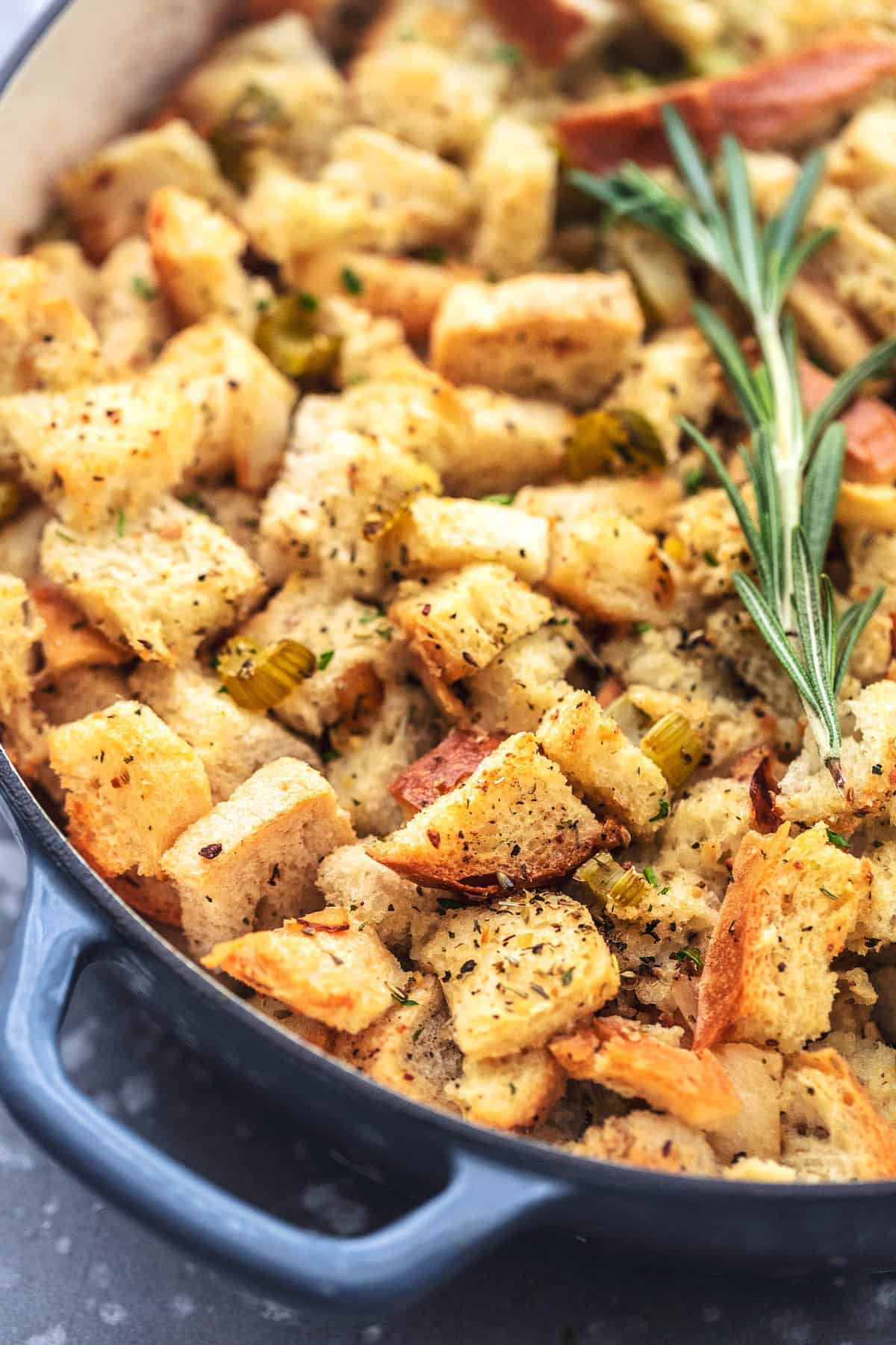 Classic Traditional Homemade Stuffing Recipe - this easy Thanksgiving side dish recipe will be your favorite! | lecremedelacrumb.com