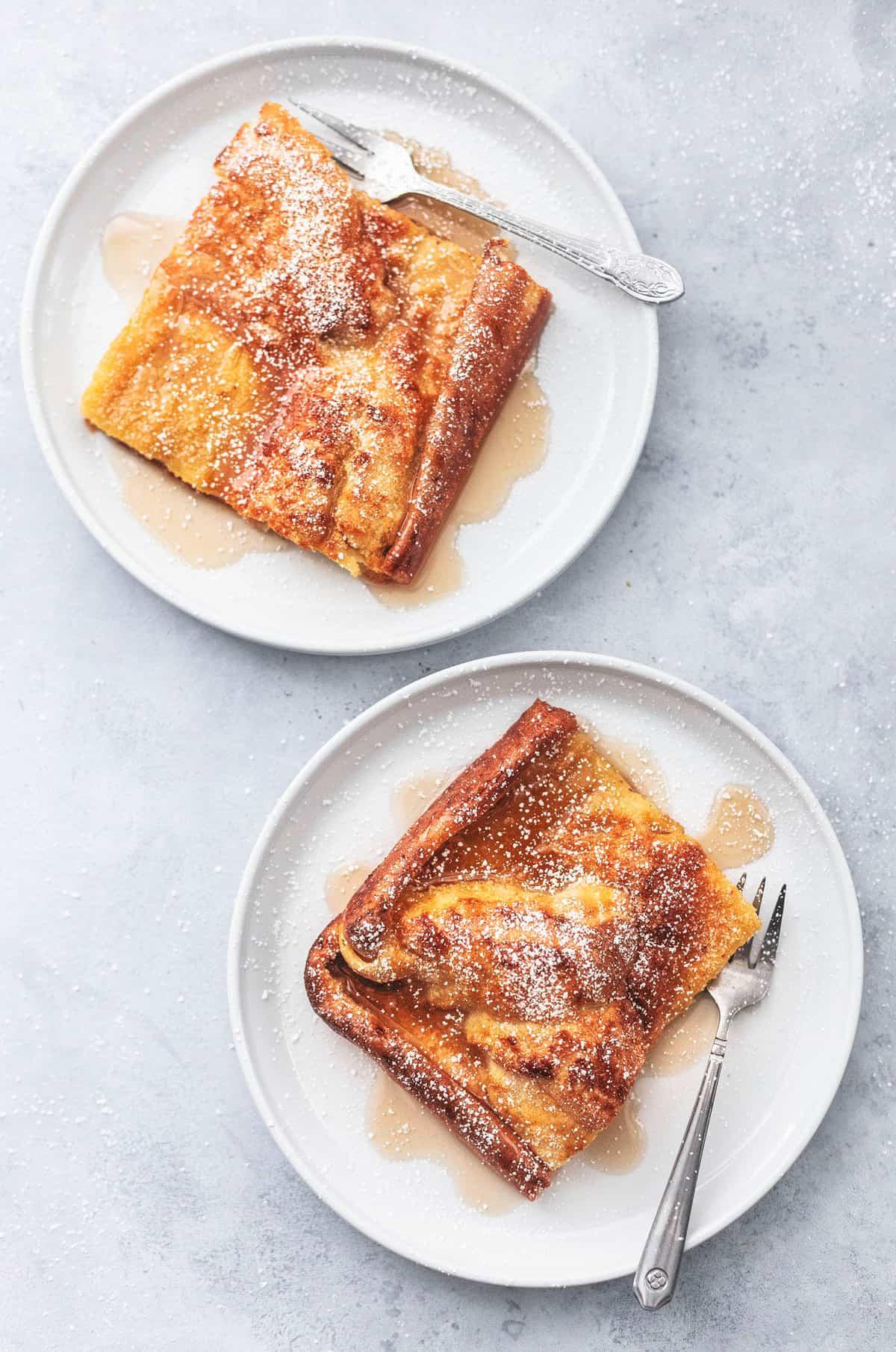 German Pancakes easy breakfast recipe | lecremedelacrumb.com