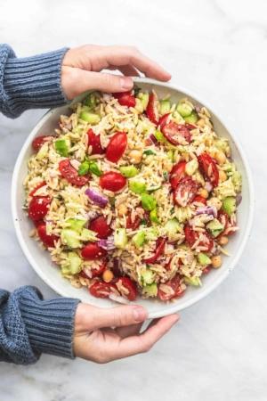Best Italian Orzo Salad easy and healthy side salad | lecremedealcrumb.com