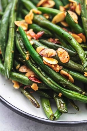 up close cooked green beans with almonds