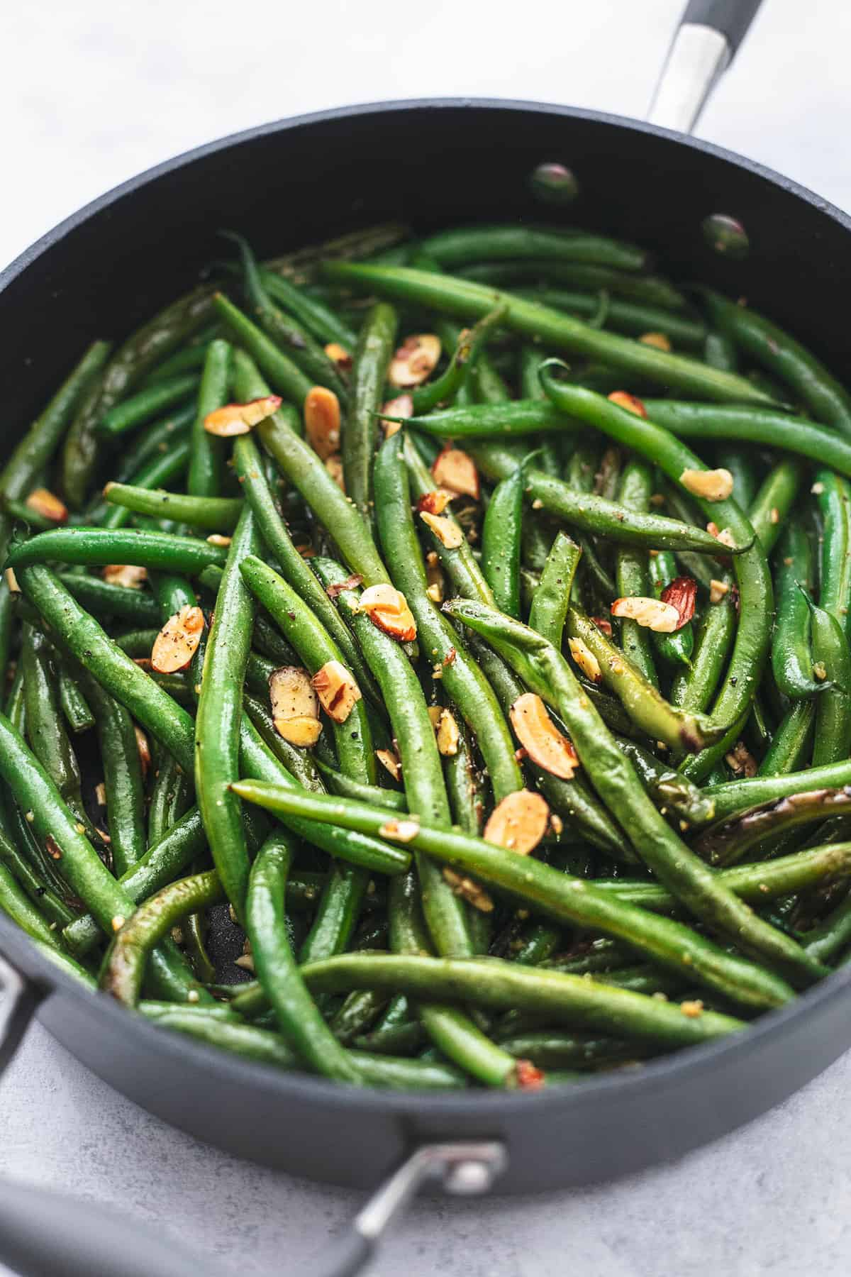 green beans in skillet