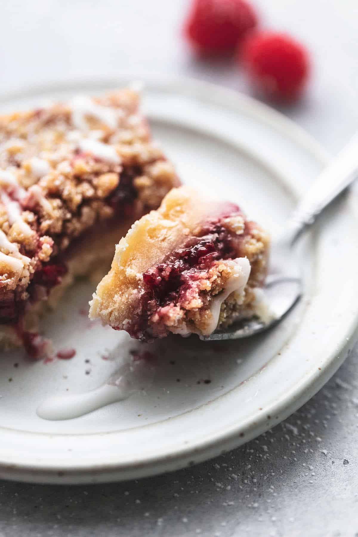 Raspberry Crumb Bars easy dessert recipe | lecremedelacrumb.com