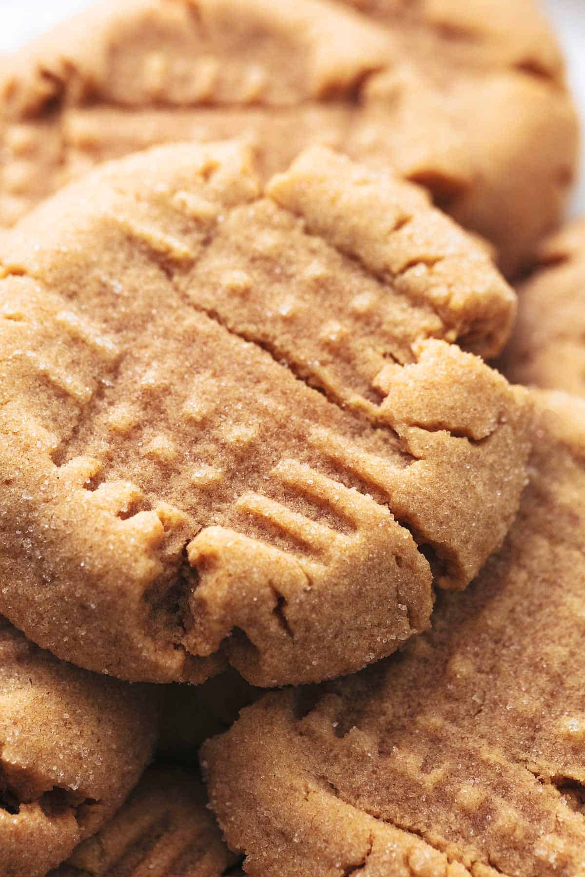 up close pile of peanut butter cookies